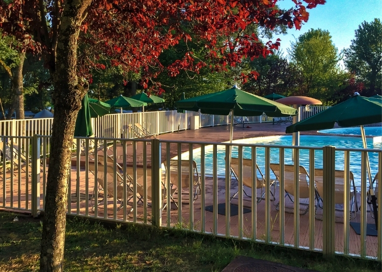 professional pool fencing